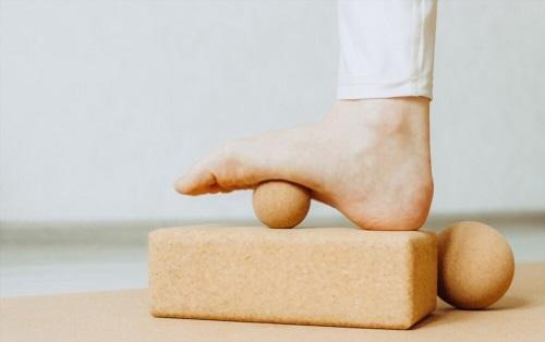 Yoga Block Foam or Cork is Better as a Prop